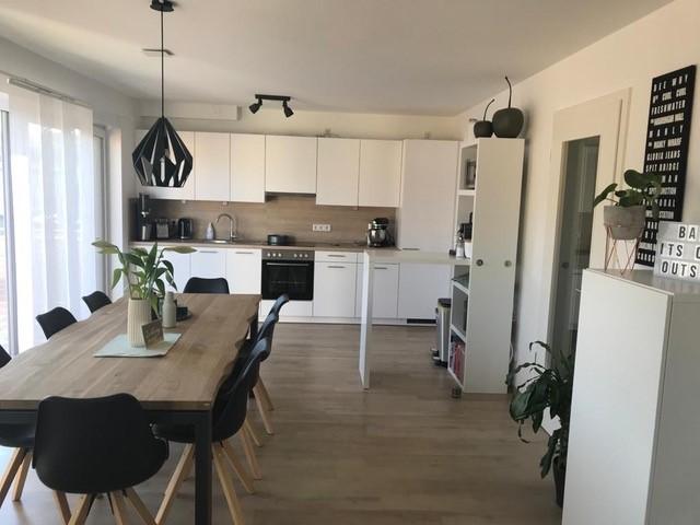 Lichterfüllte moderne 4 Zimmer Wohnung mit Südbalkon in Bestlage mit tollem Ausblick zu vermieten